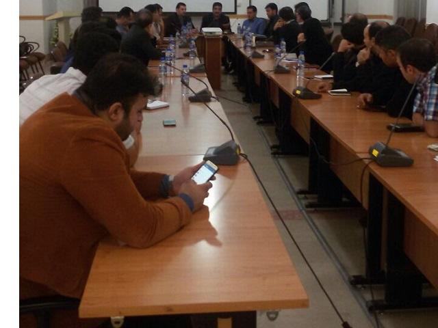 محمد حسین تقوایی زحمتکش گزارش تصویری : هم اندیشی قاچاق کالا و بازرسی واحدهای صنفی سخت افزاری یزد